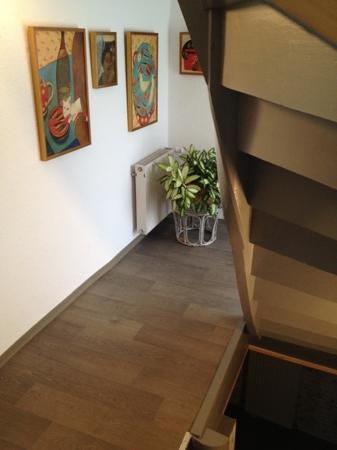 1.Obergeschoss. Flur. Treppen zum Dachgeschoss