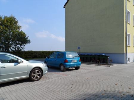 Parkplätze vorm Haus